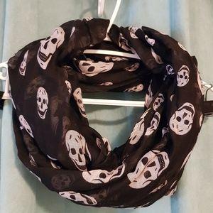 ☆3 for $25☆ Infinity Scarf, black w/ white skulls